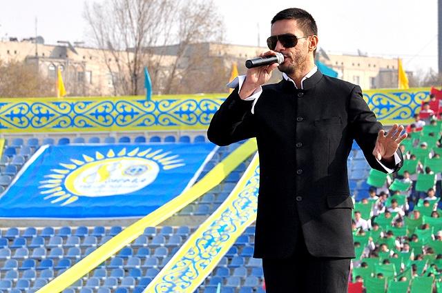 Өзбекістаннан келген конақ  DJ Piligrim өзінің әндерімен  қаламыздың  тұрғындарын мерекемен құттықтады