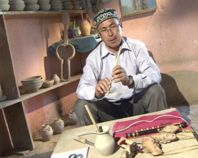 Бұдан жиырма жылдай бұрын Кендебай Қарабдаловтың  суретшілік қырымен аты шыққан еді
