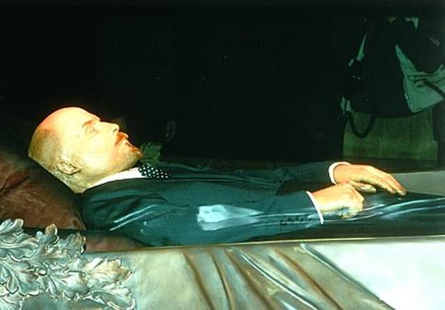 Қазіргі ғалымдар Ленин шынымен уланып қайтыс болған болса, оны шашын зерттеу арқылы дәлелдеуге болады деп отыр