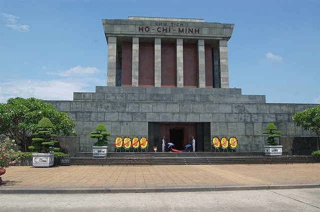 1975 жылы Ханой қаласында ашылған Солтүстік Вьетнамның алғашқы президенті Хо Ши Минның мавзолейі.