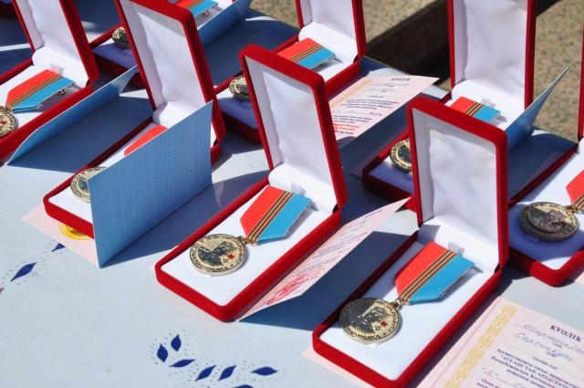 Кеңес Одағының батыры Сабыр Рахымовтың медалі бұл күні 19 азаматқа тапсырылды