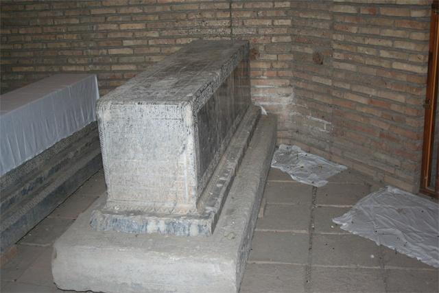 Археологтар хан қабірлерінен тек қана Абылай ханның қабірі толығымен зерттелінгенін айтады