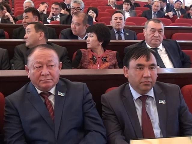 """""""ОҚО Құрметті азаматы"""" атағы оңды-солды таратылмау керек дейді депутаттар"""