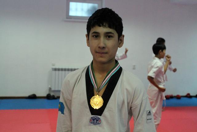 Ел қоржынына алғашқы алтынды салған спортшы Альбухаир Ирисметов