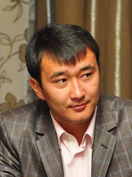 Мадияр Оразалиев, облыстық мәслихаттың депутаты