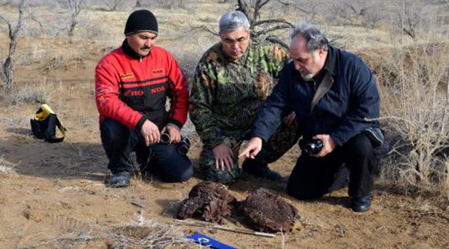 Орта Азияның ортасында көсіліп жатқан Қызылқұм шөлінен сауыт табылды