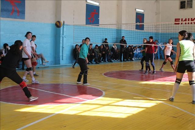 Манап Өтебаевтың әуесқой волейболшылары үшінші орынға ие болды