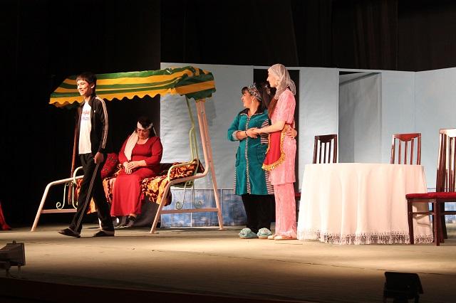 өзбек театры