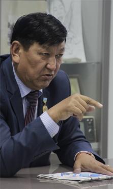 Жаныс ӨТЕГЕН, қоғам қайраткері