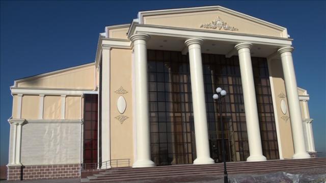 80 жылдық тарихы бар театр ұжымы жаңа орталыққа көшті