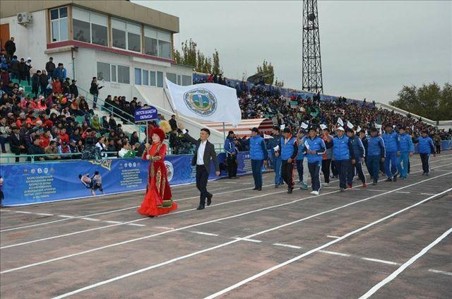 Оңтүстіктің құрама командасы фестивальдың ашылу салтанатында