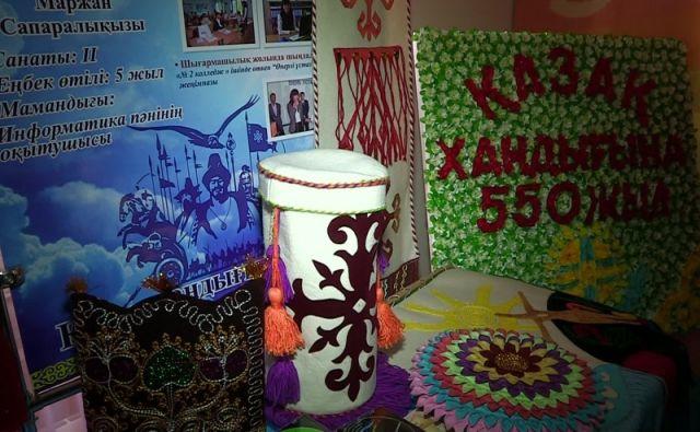 Мұғалімдердің кейбір жұмыстары қазақ хандығының 550 жылдығына арналған