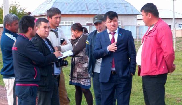 Депутаттар сайлаушылар алдындағы уәделерін орындауға кірісті