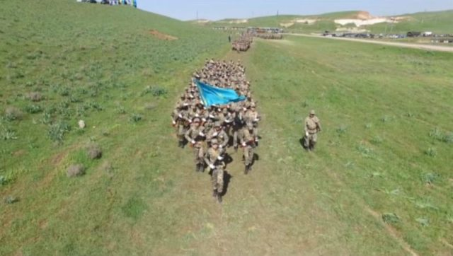 Ақтаста оқушылар дәстүрлі әскери жиыны басталды