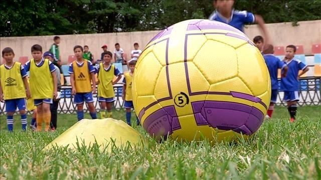 Облыстық футбол мектебінде жеткіншектерді дұрыс дайындау үшін мамандар біліктілігін қайта шыңдауда