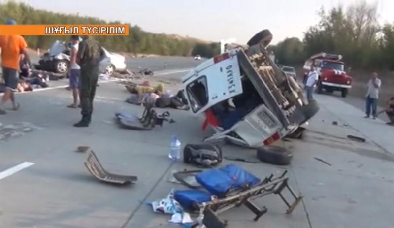 ОҚО-да ірі жол апатынан 6 адам мерт болды