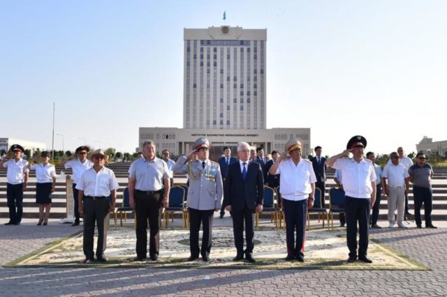 ОҚО әкімі полицейлерге 78 жаңа көлік сыйлады