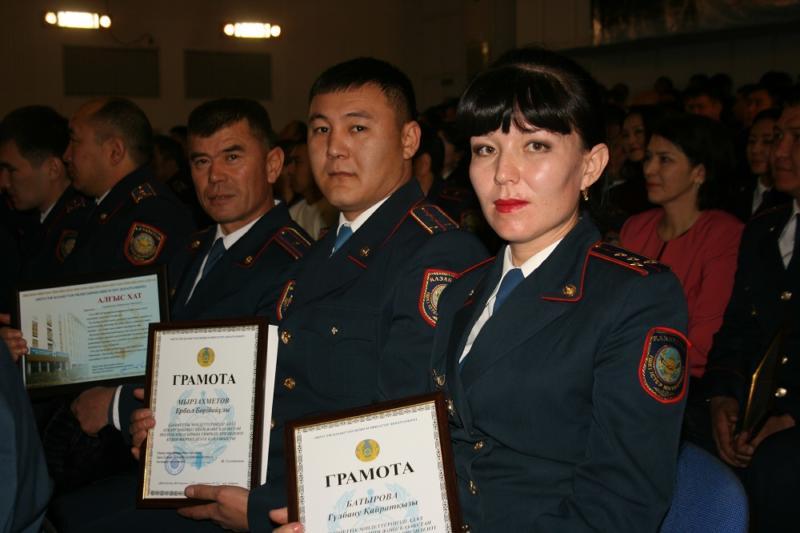 Қазақстанның тұңғыш Президенті күнінде 90 полицей марапатталды