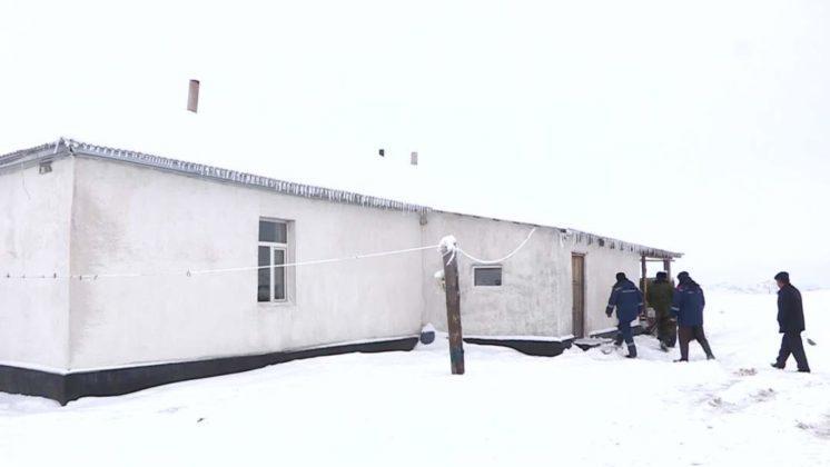 Бәйдібек ауданындағы асуларда уақытша паналау орындары жасақталуда