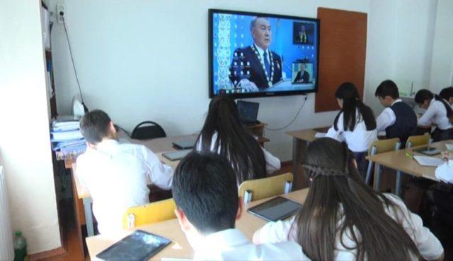Шымкент оқушылары Президентке арнап эссе жазды