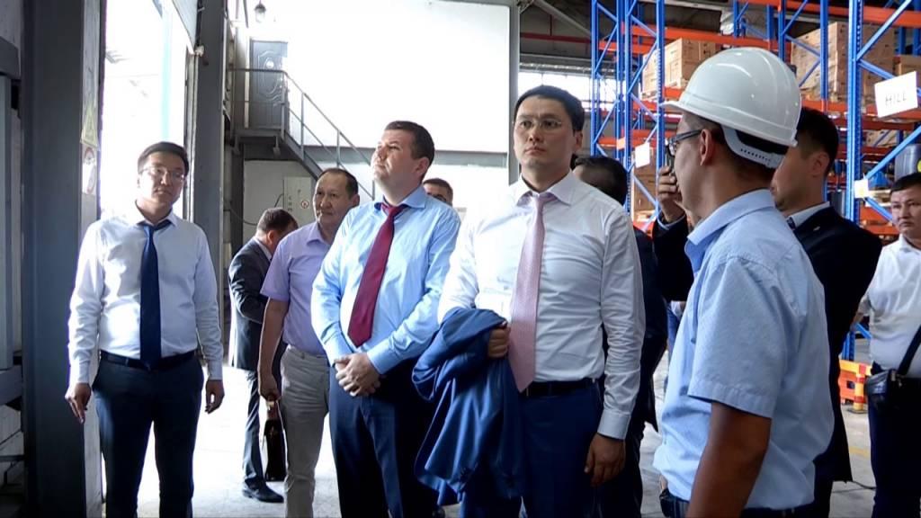 Батыс Қазақстан делегациясы Шымкенттегі өндіріс орындарын аралады