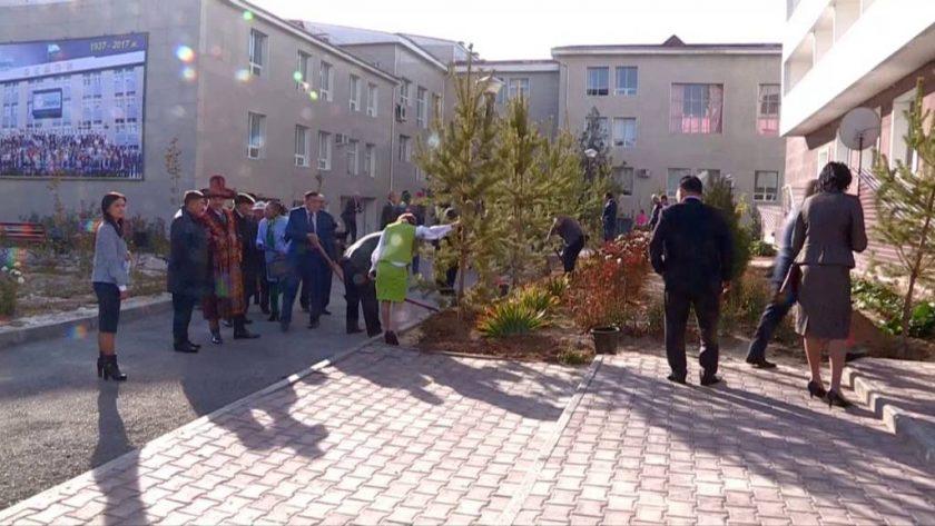 ОҚМПИ 80 жылдық мерейтойы қарсаңында университет атанды
